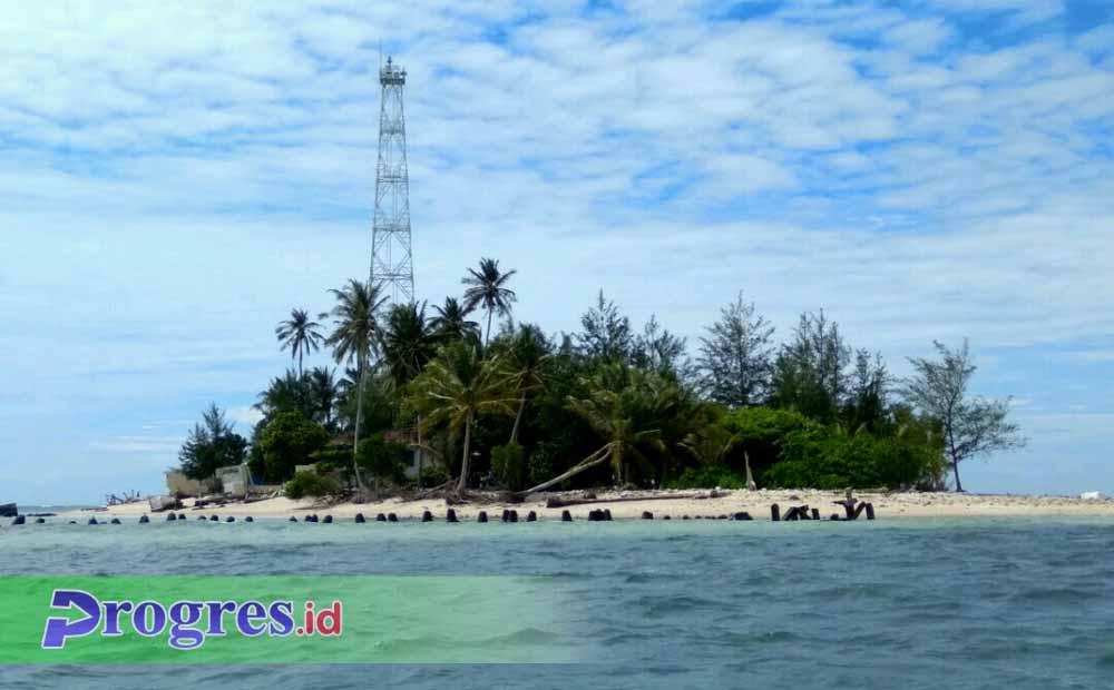 Pulau Tikus di laut Bengkulu