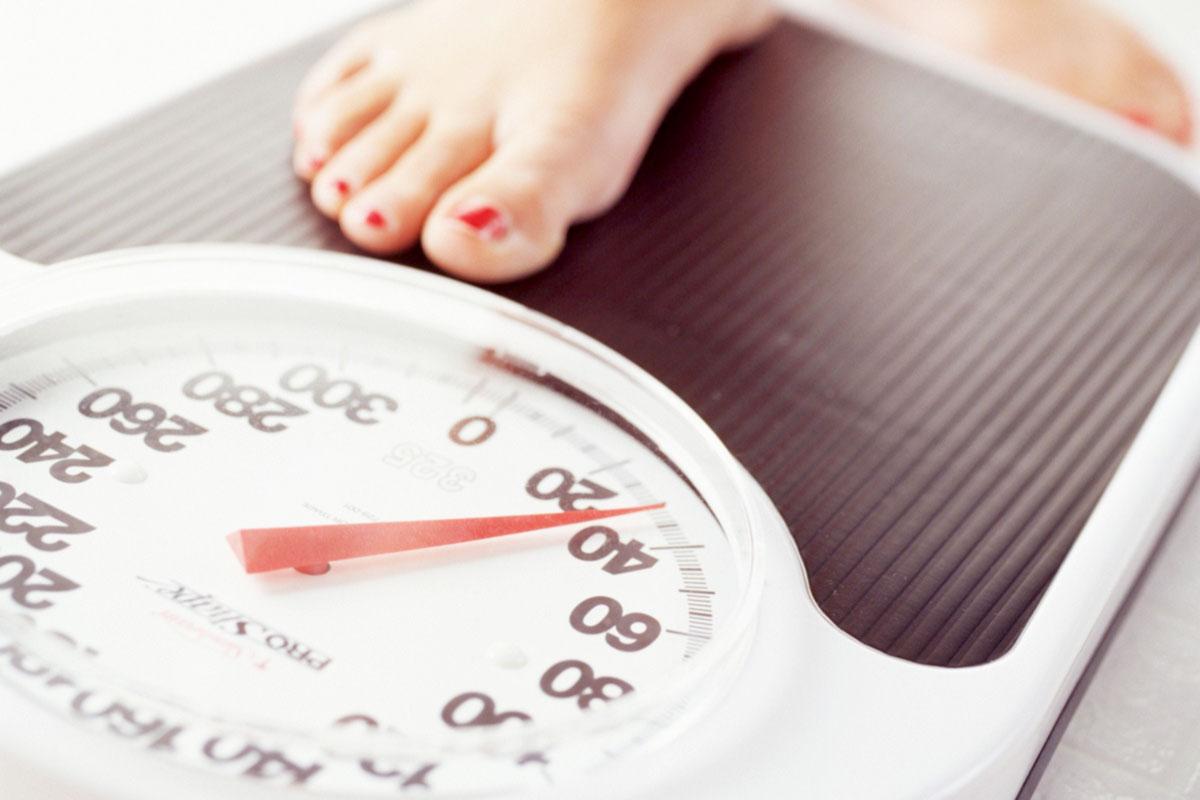 Untuk menurunkan berat badan, kadang butuh program diet yang rumit dan penuh aturan | Foto : Ciricara