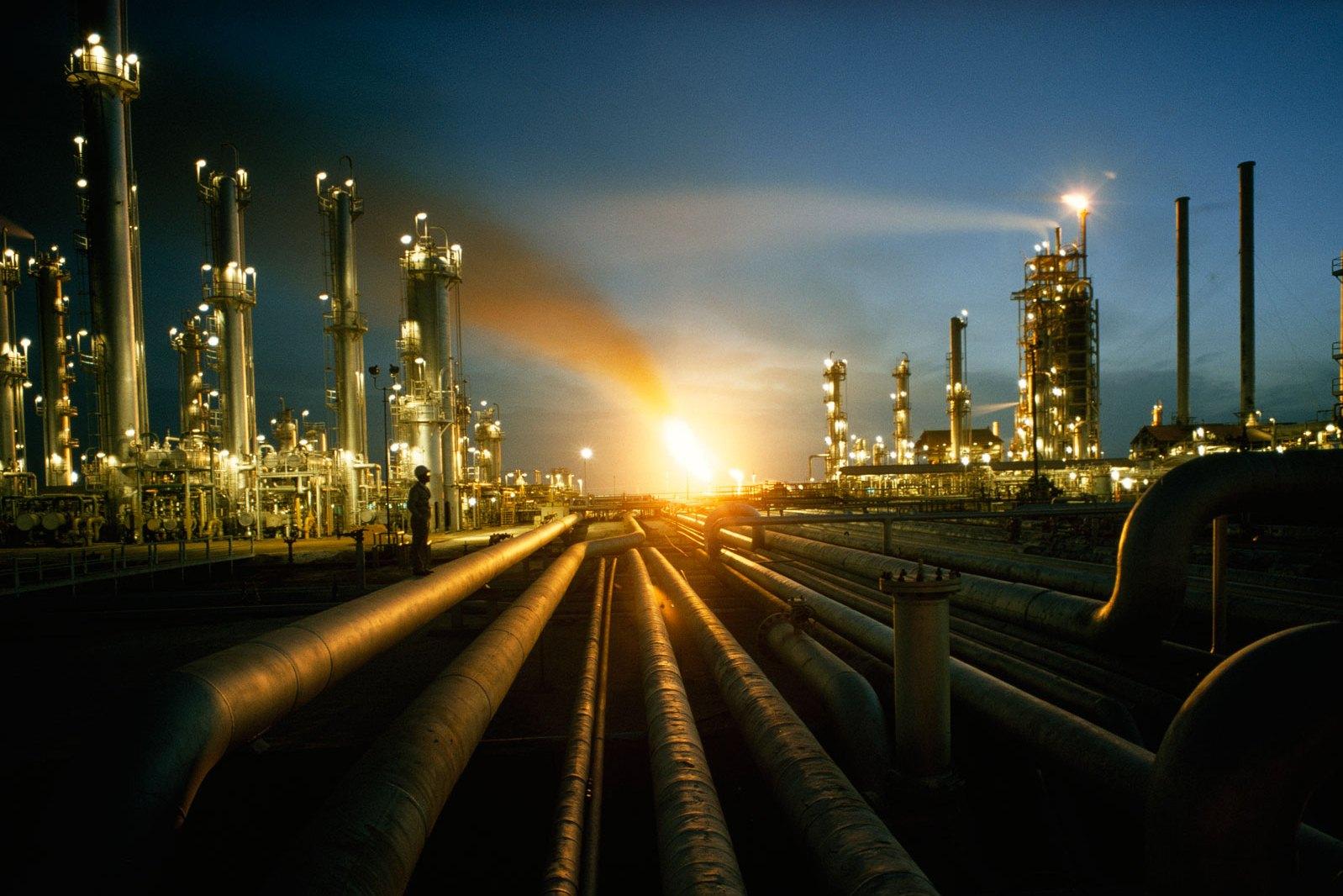 Minyak saat ini menyumbang lebih dari 90 persen pendapatan Arab Saudi | Foto : TheMiddleEastMagazine