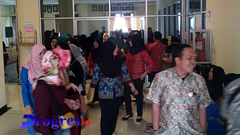 Para TKK dan TKS Rumah Sakit Umum Daerah rejang lebong sedang lakukan  aktifitas/foto:Hasan Basri/PROGRES.ID