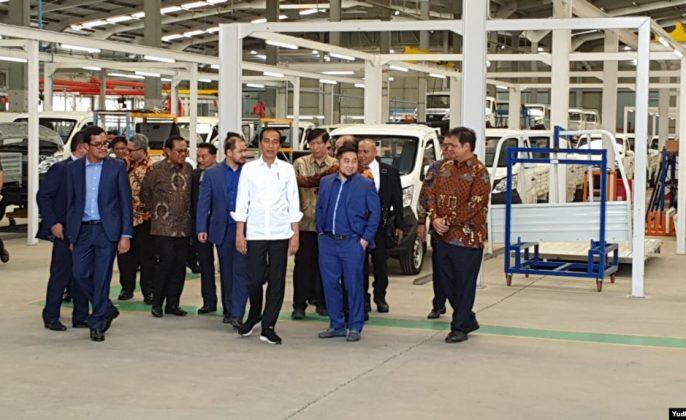 Pabrik Mobil Esemka
