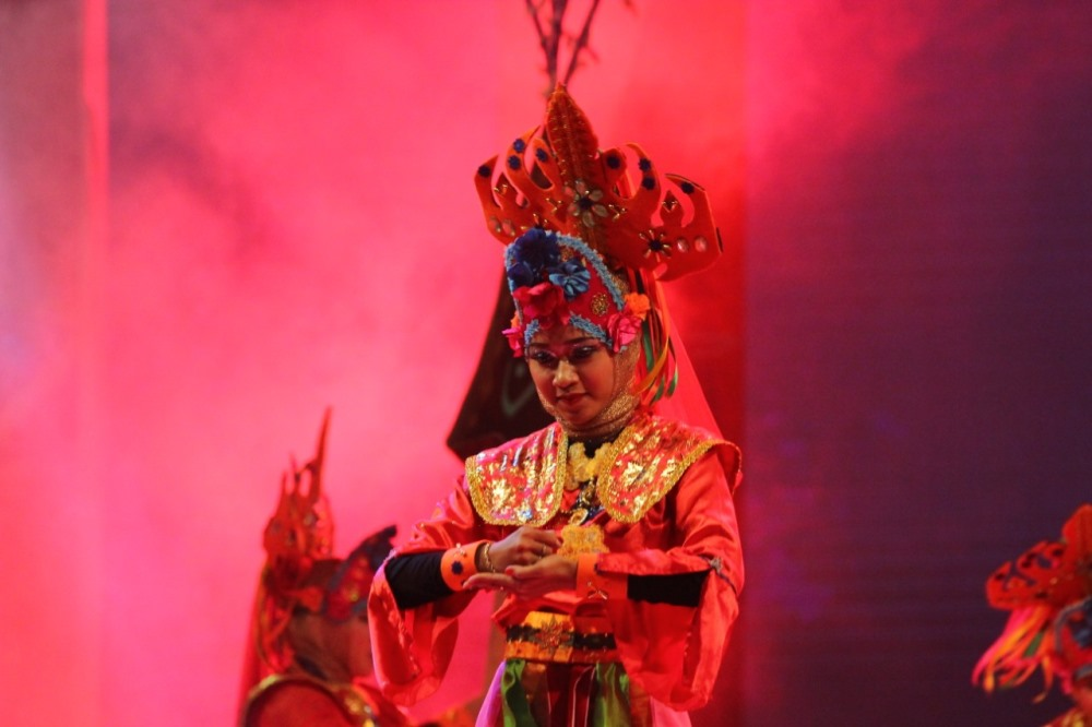 Salah satu atraksi seni tari dalam Festival Tabut 2019 lalu (Foto: Med Center Pemprov)