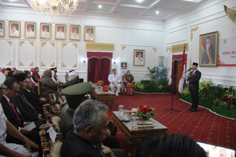 Gubernur Rohidin sambutan