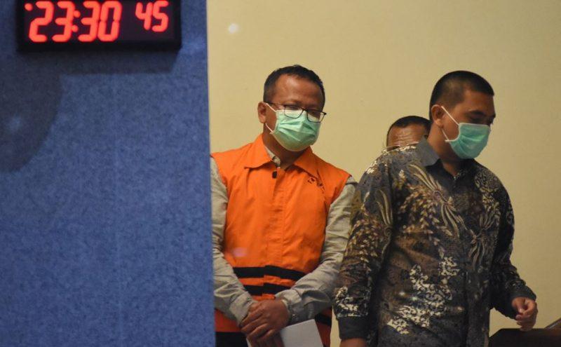 Edhy Prabowo ditetapkan sebagai tersangka oleh KPK usai menjalani pemeriksaan (Foto: Pikiran Rakyat)