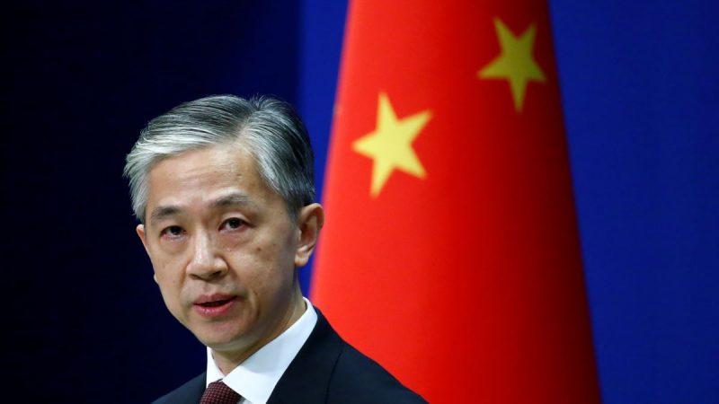 uru bicara Kementerian Luar Negeri China Wang Wenbin berbicara selama konferensi pers di Beijing. (Foto: Reuters via VOA Indonesia)