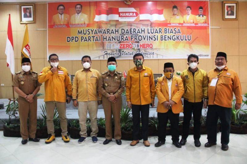 Foto bersama usai pembukaan Musdalub Partai Hanura Provinsi Bengkulu (Foto: MC Pemprov Bengkulu)