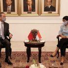 Menteri Luar Negeri Cina Wang Yi berbincang dengan Menteri Luar Negeri Indonesia Retno Marsudi saat berkunjung ke Indonesia pada 13 Januari 2021 (Foto: BenarNews.org)